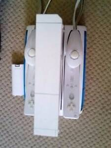 Wii remote charger/ stand Beldon Joondalup Area Preview