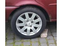 "Ford 15"" alloy wheels"