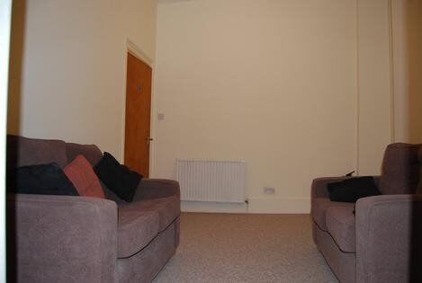 Spacious 4 Bedroom Property To Rent Moments From Central London