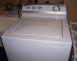 SELLING MY MAYTAG 5.2 Cu. Ft.  TOP LOAD WASHER, good condition