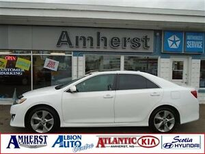 2013 Toyota Camry SE Sunroof / Bluetooth / Backup Camera
