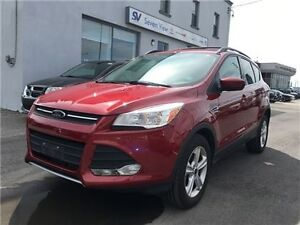 2013 Ford Escape SE Only 15, 000 KMS !!!