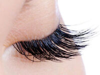 SEMI PERMANENT EYELASHES {offer off the week only £30 ...............