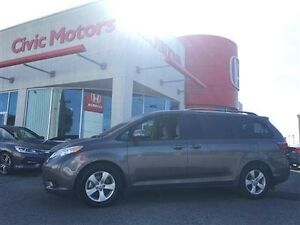 2016 Toyota Sienna POWER SLIDING DOORS, HEATED SEATS, BACK UP CA