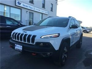 2016 Jeep Cherokee Trailhawk Navigation, Leather, Panoramic Sunr