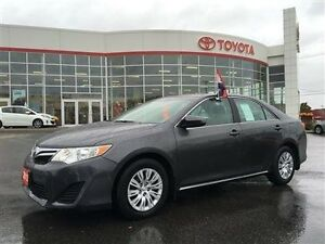 2013 Toyota Camry LE - One-owner lease return Toyota Certified