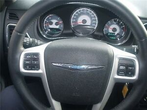 2013 Chrysler 300 Touring AIR Conditioning Heated Mirrors Heated Belleville Belleville Area image 8