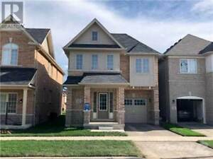 4 Bedrooms detached House For Rent In Ajax