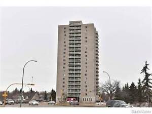 ARE YOU LOOKING TO SELL IN ROBERTS PLAZA??? Regina Regina Area image 1