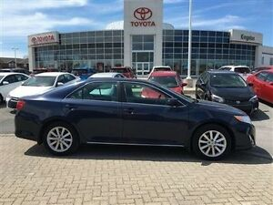 2014 Toyota Camry XLE 6A  Leather,Sunroof &More! What a Nice Cam