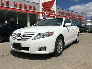 2010 Toyota Camry XLE LEATHER WITH NAVIGATION!!! XLE WITH NAVIGA