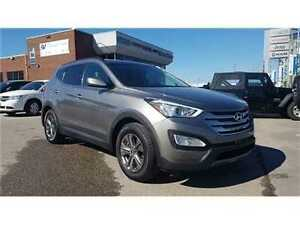 2015 Hyundai Santa Fe Sport 2.4 Base Only 33, 000 KMS !!!