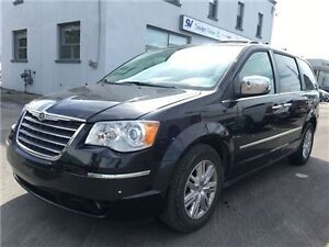2010 Chrysler Town & Country Limited Navigation, Power Folding S