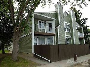 Meyokumin - 3 Bdrm Townhouse with insuite laundry and backyard