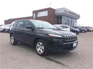 2016 Jeep Cherokee Sport Only 25, 000 KMS !!!