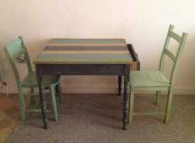 Dining table + 2 chairs