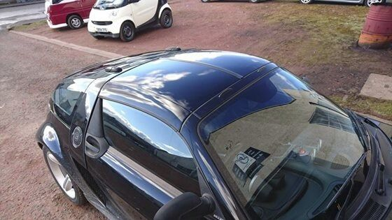 smart roadster 2 piece hardtop for sale includes rare fitting kit in chapelhall north. Black Bedroom Furniture Sets. Home Design Ideas