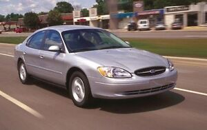 2001 Ford Taurus LX + TRES PROPRE + SEULEMENT 133000KM