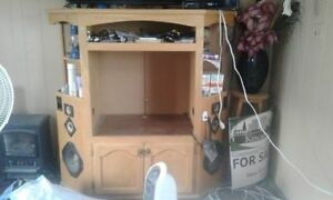 !! HOMEMADE ENTERTAINMENT CENTER WITH BUILT IN SPEAKERS !!