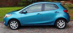 Mazda 2 bleu