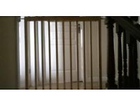 wooden child safety stair gate