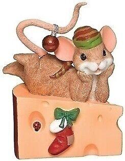 BIN Charming Tails Mouse Laying On Swiss Cheese Figurine NIB Mice Ladybug 2019