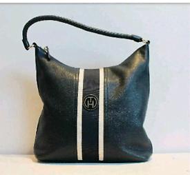Tommy Hilfiger bag real leather navy blue prestigious design.