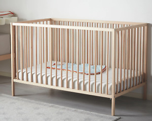 Baby Crib with Double set of bedding