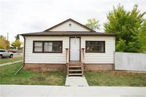 Pool Houses Townhomes For Sale In Medicine Hat Kijiji