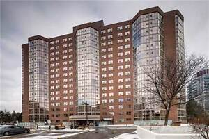 Condos for Sale in Yonge/16th, Richmond Hill, Ontario $539,000