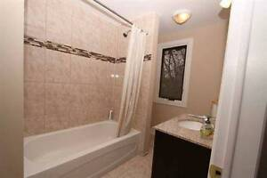 GORGEOUS FULLY FURNISHED ALL INCLUSIVE 5 BED MINUTES FROM U OF W