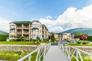 Condos for Sale in Sicamous, British Columbia $218,000