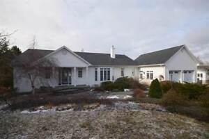 273 DAUPHINEE Dr