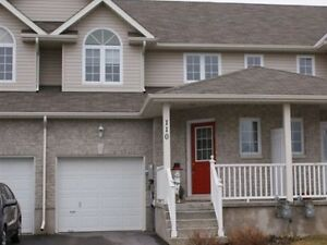 3 BED TOWNHOME IN EAST END ON CUL-DE-SAC! 110 Fireside Court