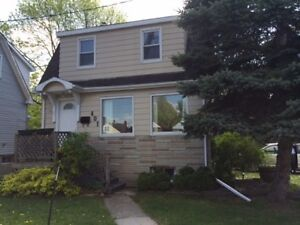 ATTN STUDENTS! 1 ROOM LEFT, INCLUSIVE 4 BED! 401 MacDonnell