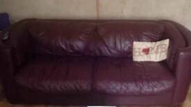☆ 2 seater Burgundy leather Sofa ☆