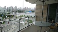 Luxury DowntownApart. of two bedrooms with false creek side view