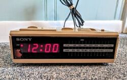 Clock Radio - Sony Dream Machine ICF-C2W Vintage 80s. FM/AM Radio Alarm. Tan red