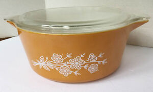 Lovely 70's  PYREX 475  Butterfly Cinderella