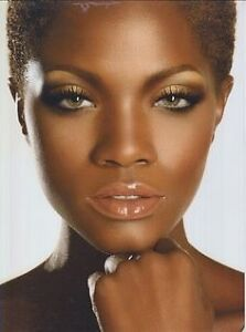 MAKE UP ARTIST AT YOUR HOME MAQUILLEUSE A DOMICILE West Island Greater Montréal image 2