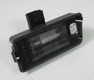 NEW-GENUINE-SEAT-ALTEA-AROSA-IBIZA-LEON-NUMBER-PLATE-LIGHT-5P0-943-021