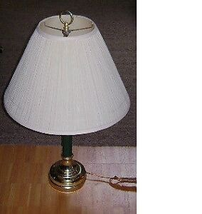 Table lamp with brass base and green stem Kitchener / Waterloo Kitchener Area image 2