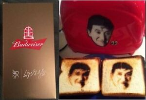 Wayne Gretzky Toaster and Budweiser Red Light Glass! $150