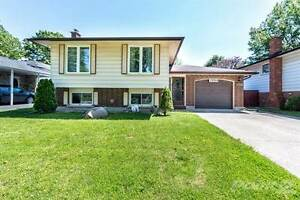 Homes for Sale in McLeod Road, Niagara Falls, Ontario $349,900