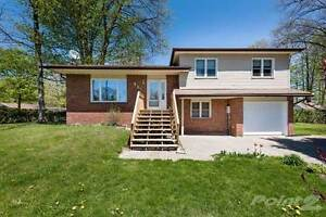 Homes for Sale in Sunnyside, Midland, Ontario $279,900