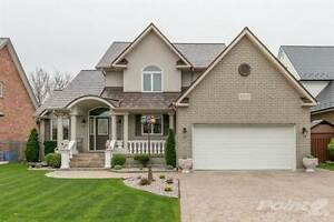 Homes for Sale in Tecumseh South, Tecumseh, Ontario $449,900
