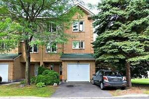 Condos for Sale in Chapel Hill, Ottawa, Ontario $259,900