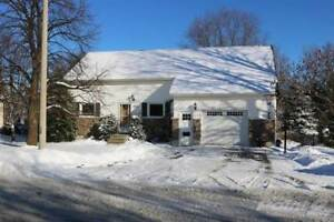 Homes for Sale in Ardagh Bluffs, Barrie, Ontario $619,900