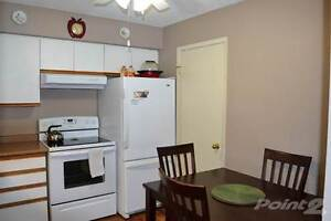 Condos for Sale in Perth County, STRATFORD, Ontario $149,900 Stratford Kitchener Area image 2