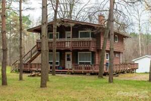 Homes for Sale in Middlesex, PARKHILL, Ontario $649,900